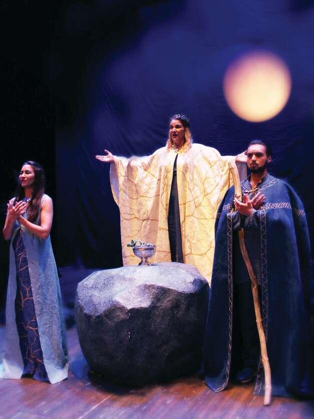 Operafabriken firar tioårsjubileum med Verdis Ödets makt på Ystad Teater