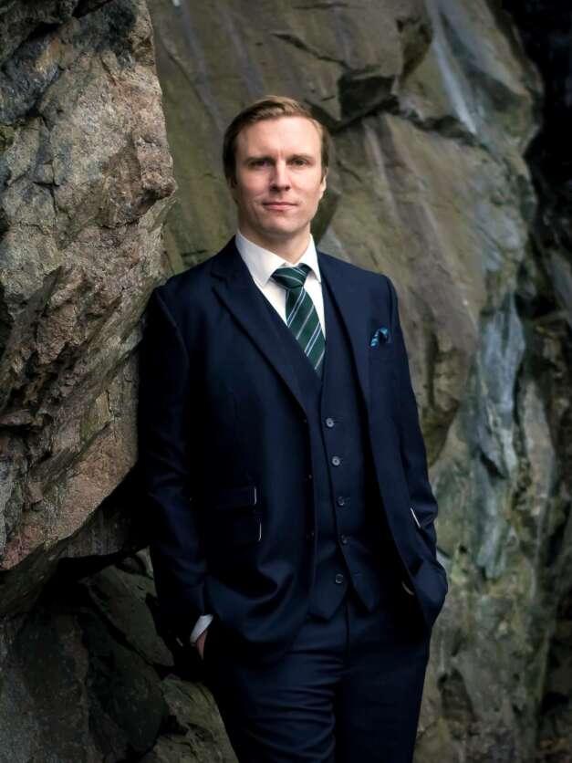 Drottningholmsteaterns Vänners Operastipendium går till barytonen Mikael Horned